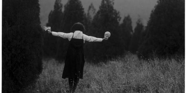 黑白是极简---认清自己总是最难的,但又总是会找到点儿|YJ严颉